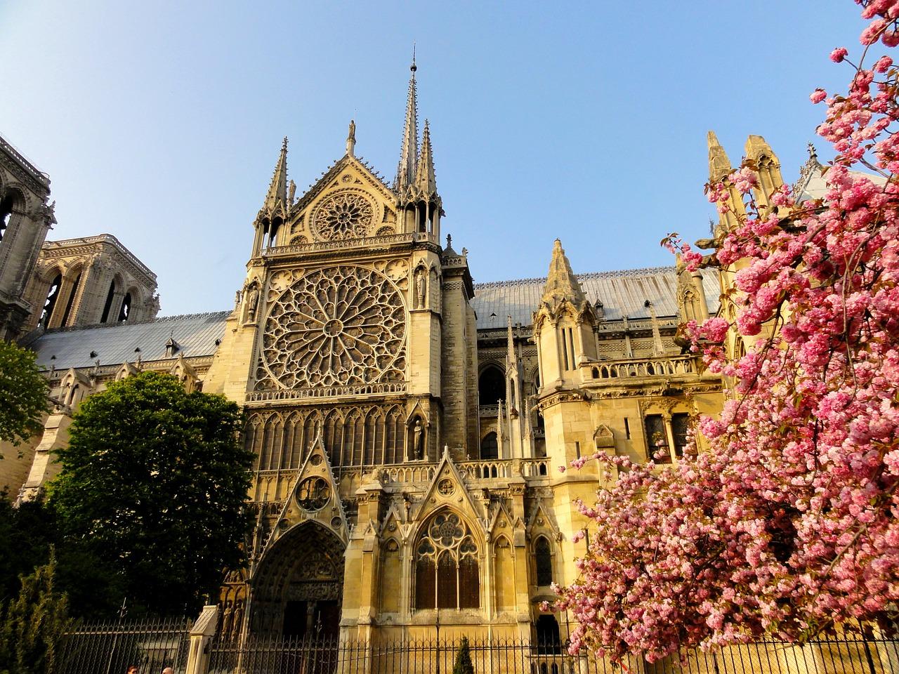 paris-272198_1280