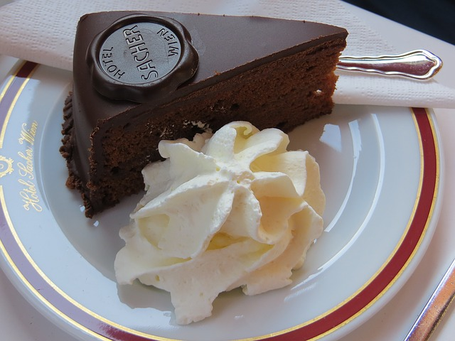 sacher-cake-1280575_640